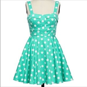 Ixia Small 👗 Polka-dot dress made in the USA
